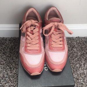 Women's casual pink sneakers